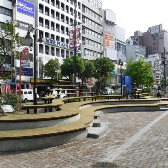 JR元町駅東口前が新たな空間(まちなか拠点)に生まれ変わりました